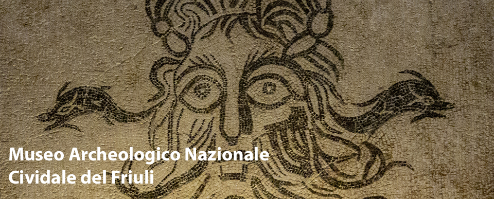 Pavimento a mosaico con raffigurazione di divinità marina nel Museo Archeologico Nazionale di Cividale del Friuli